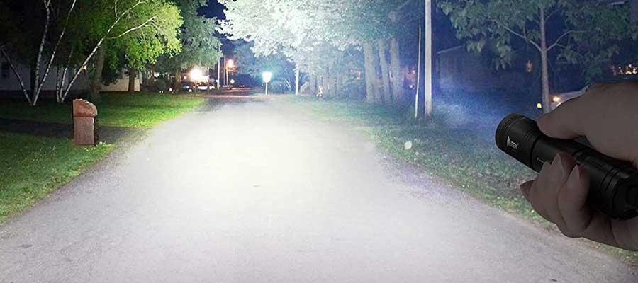 linterna super potente de 20 millones de candelas